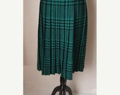 1/2 OFF 1980s preppy retro Rocker Diane Von Furstenberg Wool Blend  Green Plaid Pleated skirt Size 10