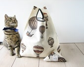 hot air balloon bag / retrò tote / beige printed cotton shopping bag/ old style bag / triangle folded bag / edge in black ribbon / 1 piece