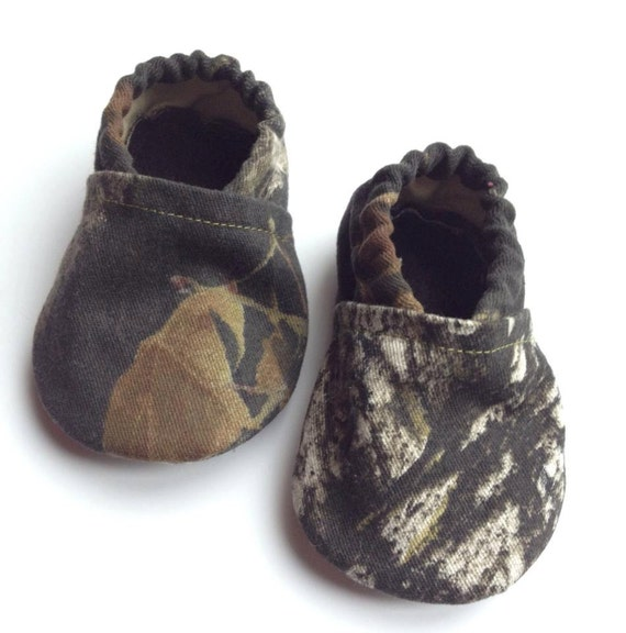 mossy oak camo cloth baby booties by saluna on etsy
