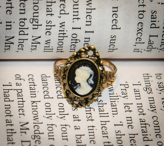 Newly Set Vintage Cameo Ring