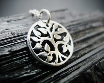 Round Tree-of-Life Necklace - 925 Silver
