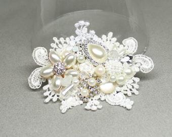 Bridal Hair Comb-Pearl Hairpiece-Bridal Hair Clip-Wedding Hair Accessories- Pearl Comb-Bridal Hair Accessories-Candlelight-Bridal Hairpiece