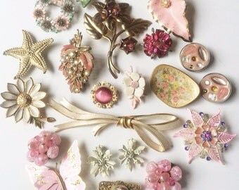 Vintage Brooch Lot, Bridal Brooch Bouquet, rhinestone brooch, flower brooch, Pink romantic jewelry lot, Wear, Upcycle, Assemblage