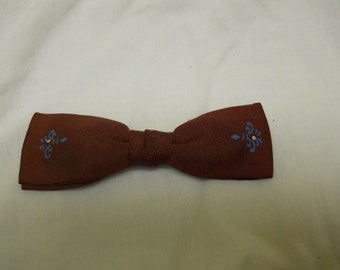 vintage bowtie burgundy with blue design clipon
