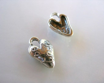 BE TRUE Sterling Silver 925 Artisan style hammered heart charm-8mm x 14mm Rustic boho chic bracelet charm sundance style H130