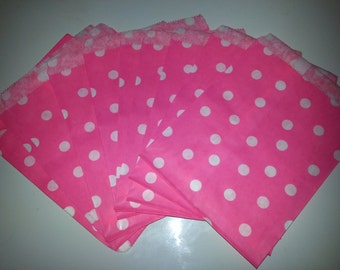 "25 Paper Treat Bags White Dots on Hot Pink 5 ""x 7"" - Snack Bag - Gift Goody Bag - Birthday Party - Baby Girl Shower - Utensil Bag - Popcorn"