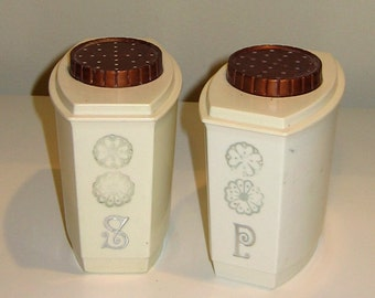 Vintage Salt & Pepper Shakers White Plastic with Copper Color Lid and Silver Color Daisy Detailing