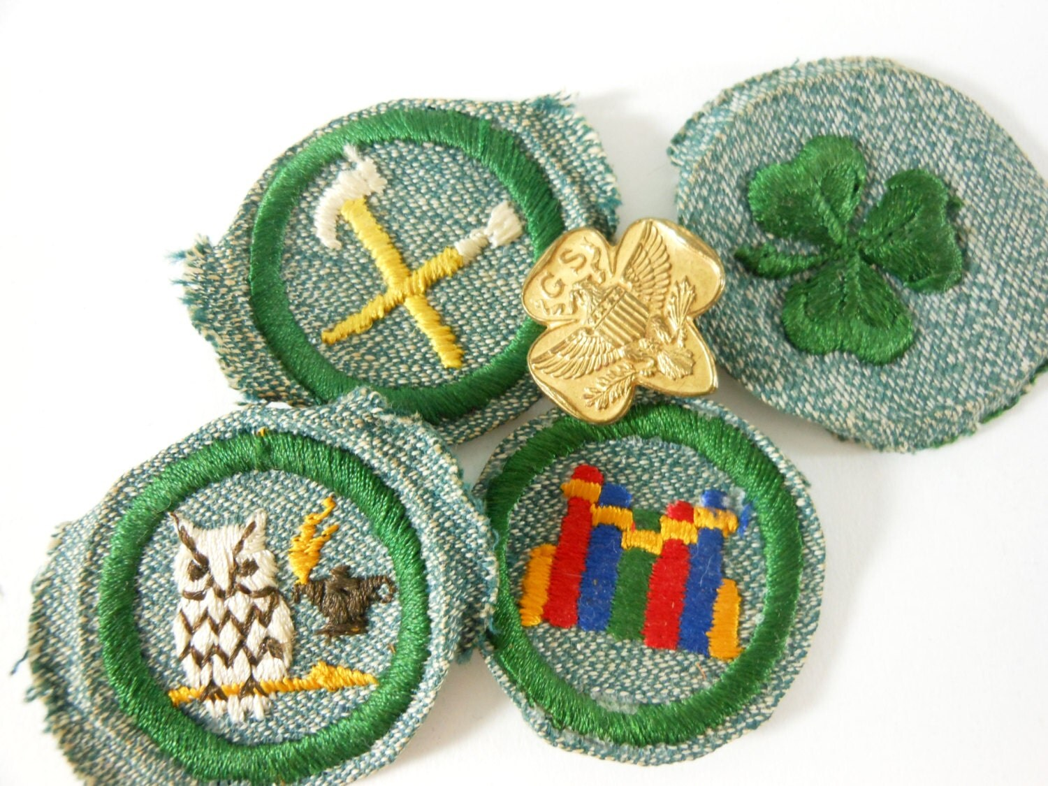 video-girl-scout-badge