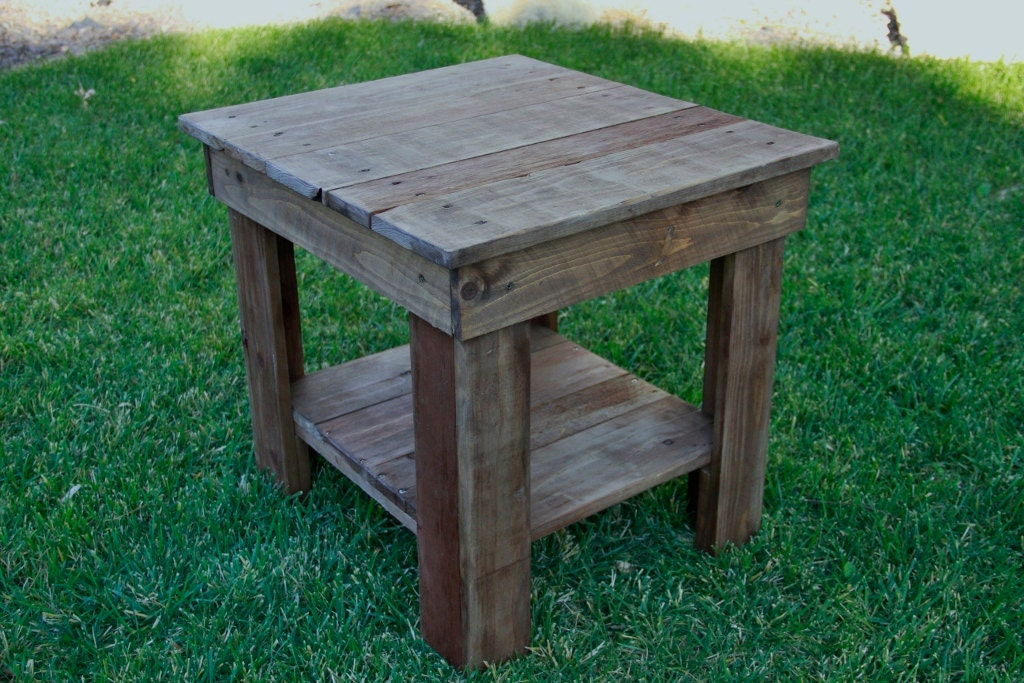 Pallet end table rustic end table primitive by for Pallet end table