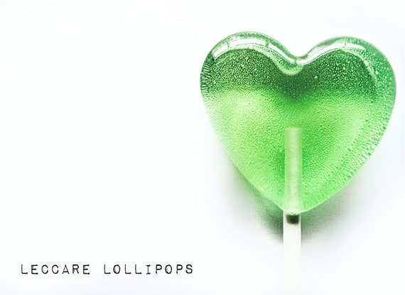 6 Honey  Apple Lollipops // Apples and Honey // Hard Candy // Fall Wedding Favor // Heart Candy // Spring Wedding // Green Wedding Favor