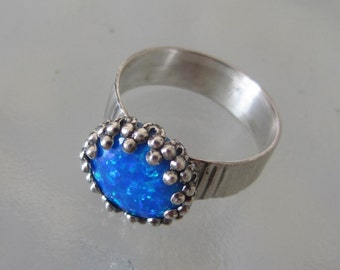 Blue Opal ring - Silver stone Delicate Ring - Crown bezel ring - Size 9