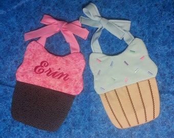 Personalized Quilted Cupcake Bib