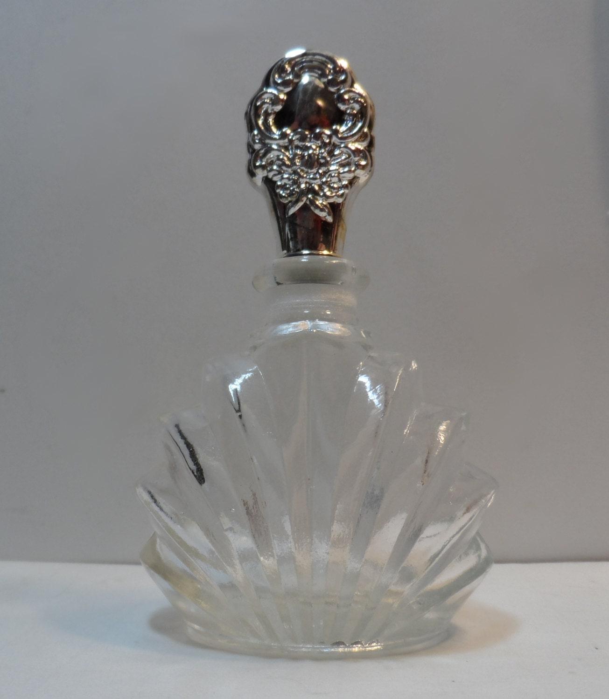 Realities Perfume additionally 3745 Bulgari Omnia Indian Gar  65vmini15mini 5 783320490040 together with Fenton Art Glass Fenton Bunny Fenton besides Derek Lam2 together with 371403851371. on oscar de la renta mini perfumes