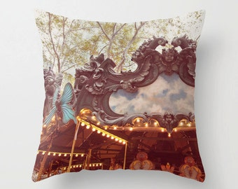 Le Carrousel - NYC Pillow Case - New York City Pillow Cover - Throw Pillow Cover - 16x16 18x18 20x20