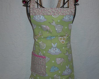 Reversible Apron in Adorable Apron pattern. Be as luscious as your next recipe in this beauty...