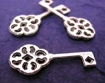 12pc antique silver plated metal key pendants-745