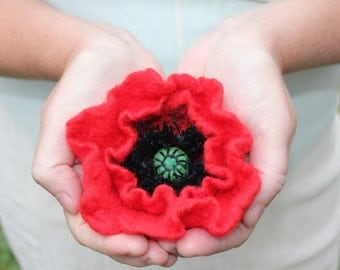 Red Poppy / Felt flower brooch / Wool Felt Jewelry / Felted flower / shades red