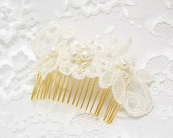 Ivory pearl comb, Lace wedding Comb, Bridal Comb, Wedding Hair Accessories, Pearl comb