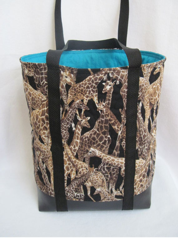 giraffes tote bag quilted with lots of pockets one of a kind. Black Bedroom Furniture Sets. Home Design Ideas