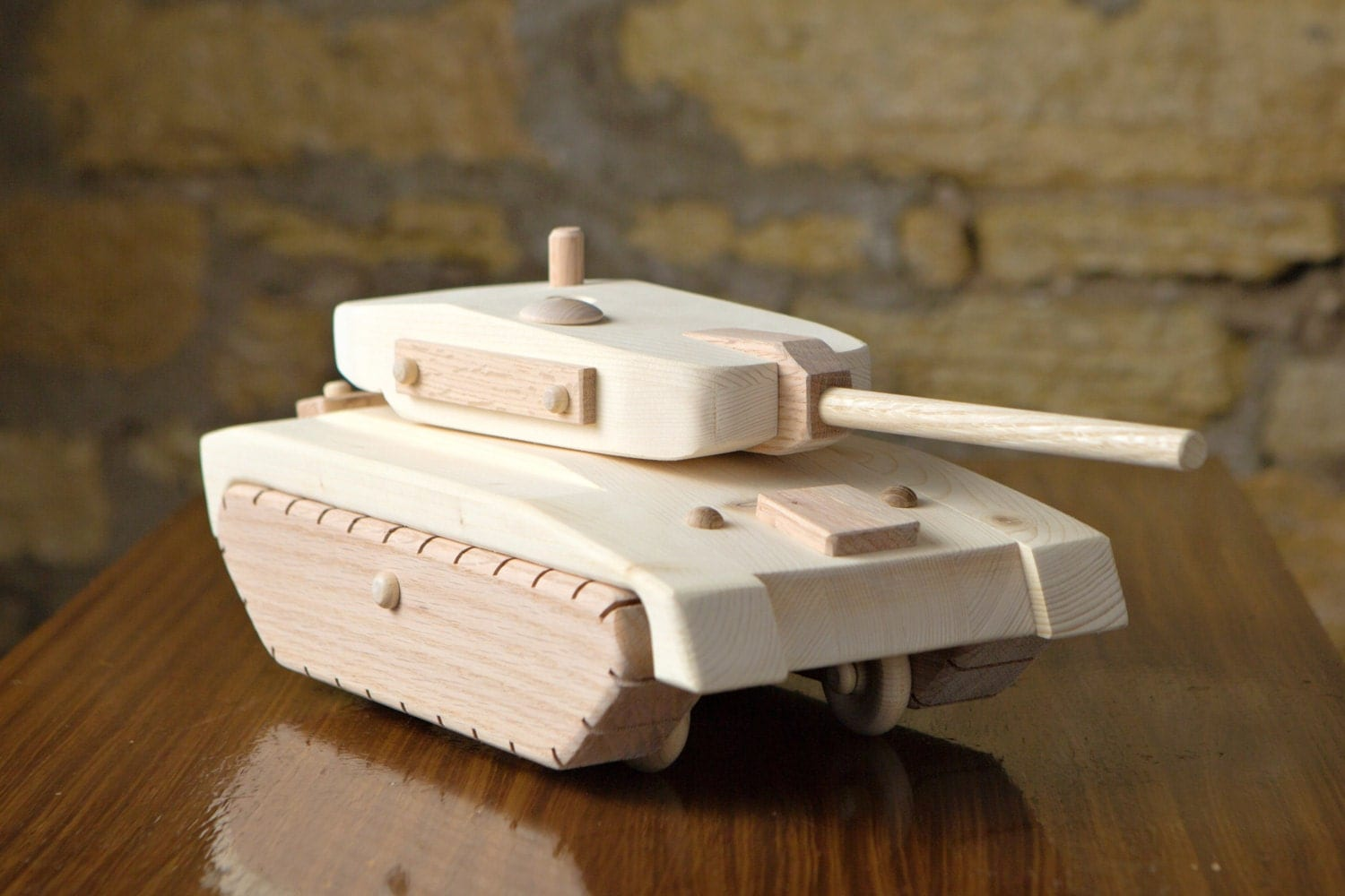 how to build a wooden army tank