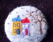 Handmade Felt Pin-back Badge/Brooch with Felt wintery Picture