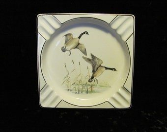 Flying Canadian Geese Ashtray Cattails Ceramic Salem 57U