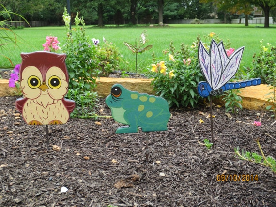 Bug Plant, Garden Pokes, Butterfly, Bee, Ladybug, Grasshopper, Frog, Snake, Owl & more; Critters Wood Outdoor Stakes, Pokes, Lawn Ornaments