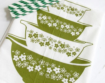 SALE - green daisy blossoms bowls flour sack tea towel kitchen cotton screen printed