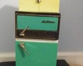 Vintage Barbie Deluxe Reading Refrigerator