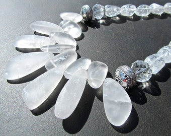Quartz Statement Necklace, White Frosted Crystal, Big Bold Chunky Necklace, Natural Crystal Nuggets, Clear Crystal Nuggets, Bib Necklace 729
