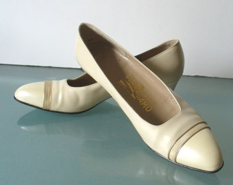 Made in Italy Salvatore Ferragamo Ivory Pumps  Size 8.5 US