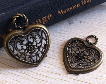 10Pcs 28mmx35mm Heart charm   -  antique bronze charm pendant  Jewelry Findings