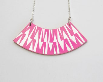 ZIG ZAG Necklace Pink