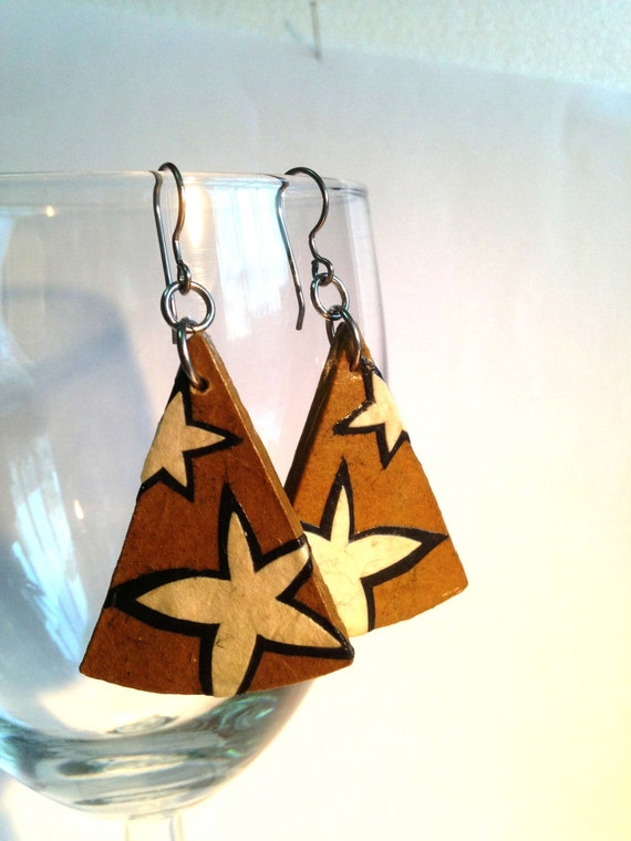 Triangle Star Hanji Paper Dangle Earrings Brown White Stars Hypoallergenic hooks Lightweight Ear rings