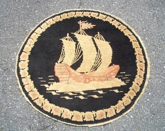 1940s Semi-Antique Hand-Knotted Nichols-Style Round Chinese Rug (2926)
