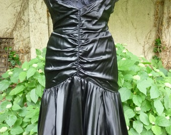 80s Wiggle Dress Black Satin Ruched Mermaid Style Prom Dress Party Dress Spaghetti Straps and Black Pearls and Lace Size 4 Made in USA