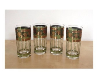 Set of 4 Mid Century Cera Tumblers with Grape Pattern