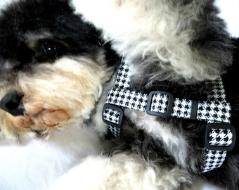 Step in Dog Harness, Soft and Adjustable Dog Harness, Classic Black and White, Hounds Tooth Dog Harness