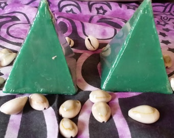Green Pyramid Candle ,Hoodoo, Voodoo, Loaded, Charged, Ritual, Altar, wiccan, Pagan,