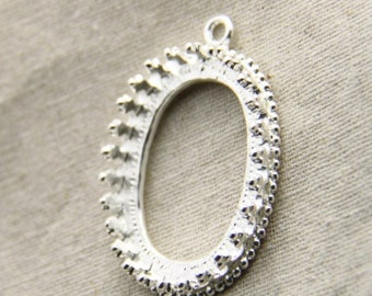 2 pcs of metal lace edge pendant oval crown edge 7557-30x40mm oval -one layer-silver
