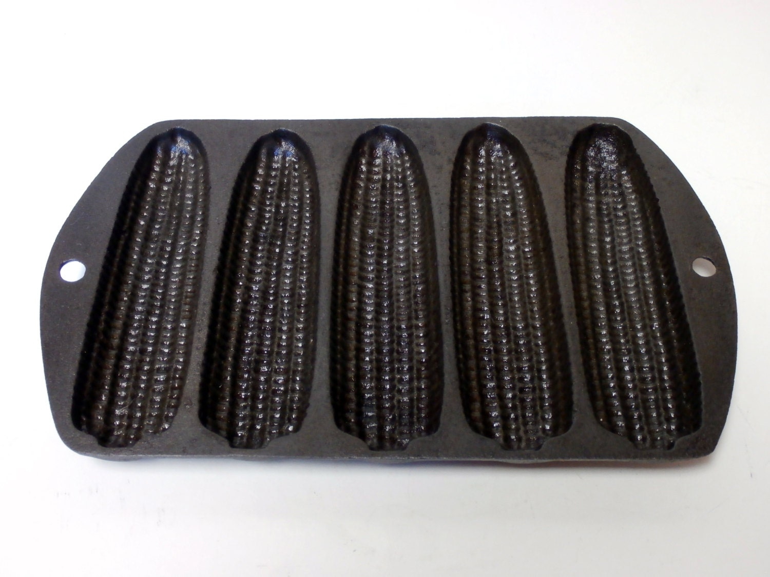 Vintage Cast Iron Cornbread Pan 5 stick by MidnightandMagnolias