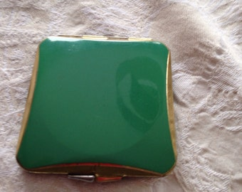Vintage Compact puff and mirror Collectables