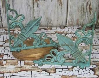 Fleur De Lis Corner Bracket, Cast Iron Braket, Cast Iron Fleur De Lis,