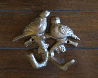 Bird Wall Hook / Cast Iron Hook / Aged Copper or Pick Color / Shabby Chic Hook / Nursery Decor/ Jewelry Hook / Towel Hook / Key Hanger