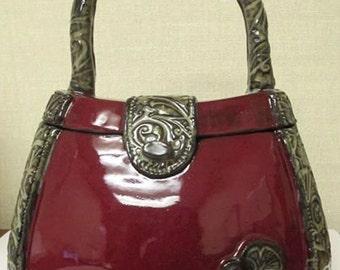 red purse box