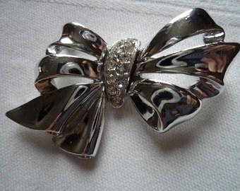 Vintage Signed Danecraft  Silvertone Rhinestone Bow Brooch/Pin