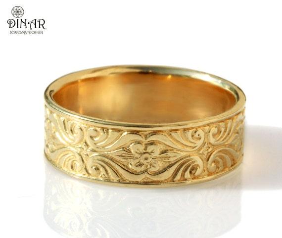 14k gold wedding band, Vintage Design , 7mm wide ring , Engraved Floral pattern, women's wedding band, thick ring , men's gold wedding band