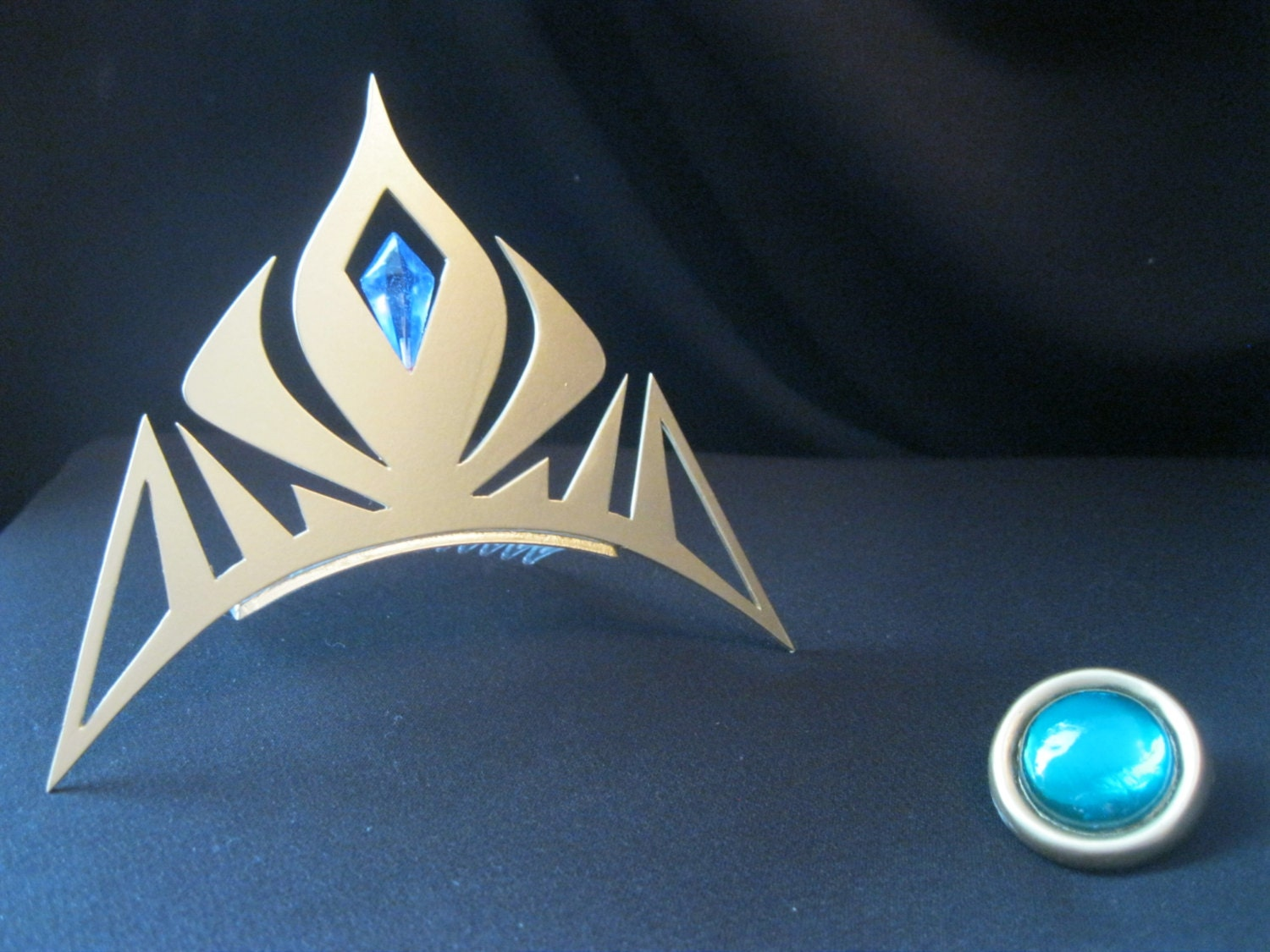 elsa crown from frozen gem pin for cape by uniquecosplayprops