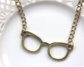Lovely Antique Brass Glasses Necklace, Vrintage Style Jewelry, Big Chain Necklace, Glasses Charm, Pendant, (NL09)