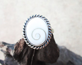 Handmade Silver Ring with Shiva Eye Shell - Original Silver Shiva Eye Ring - Silver Shell Ring